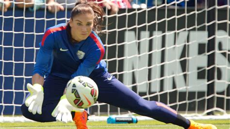 soccer com guide the hunt for the third star carli lloyd soccer image gallery hope solo goalkeeper