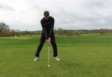 wide stance golf swing golf tip of the week don t stand too wide golfmagic