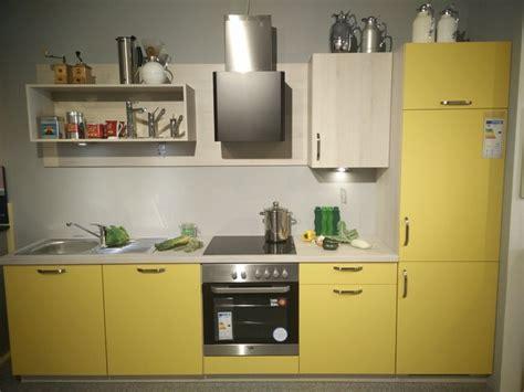 Küche Zweizeilig by K 252 Che K 252 Che Gelb Hochglanz K 252 Che Gelb Hochglanz In K 252 Che
