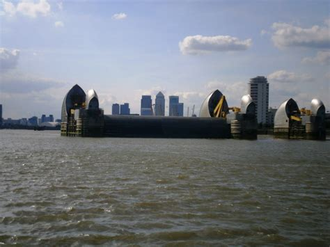 thames barrier moving thames estuary the crusoes sailing around the uk