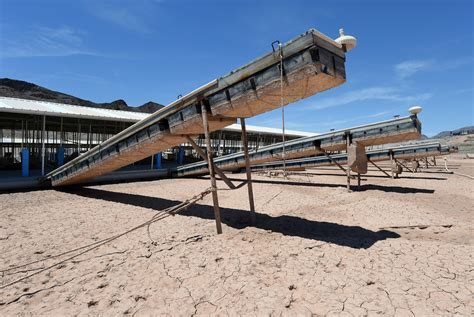 boat slip bay area lake mead drops to lowest levels ever as 14 year drought