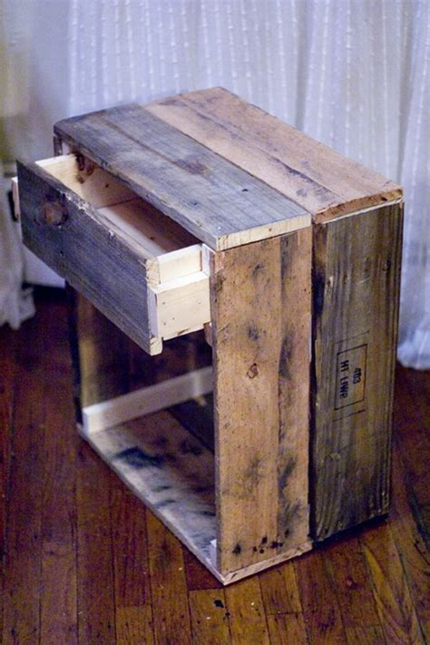 Diy Wood Furniture by 14 Inspiring Diy Projects Featuring Reclaimed Wood Furniture