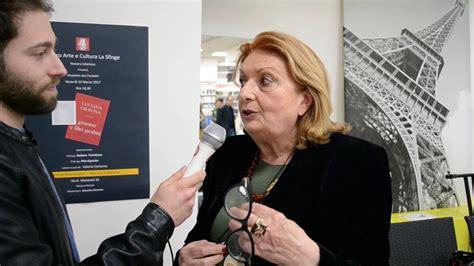 libreria mondadori nocera inferiore intervista all autrice luciana gravina