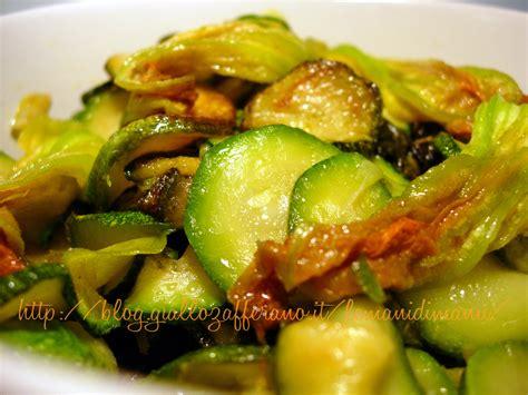 ricetta fiori di zucchine zucchine e fiori di zucca in padella ricetta contorno