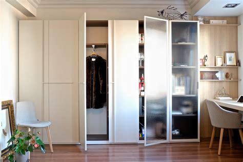 armarios en el salon emede mobiliario de diseno