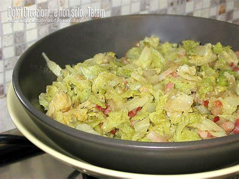 cavolo verza stufato con pancetta ricetta