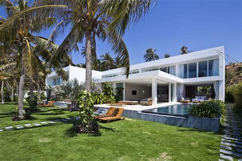 modern mansion beach house architecture world of architecture stunning modern beach house by mm