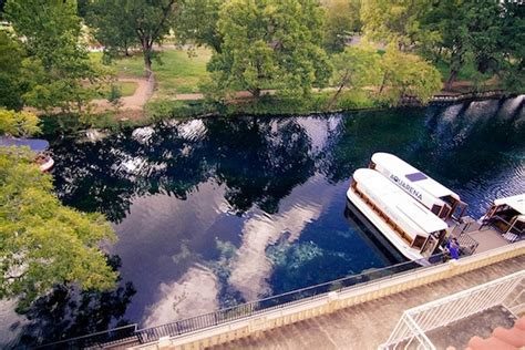 glass bottom boat san marcos texas the texas to do list take a glass bottom boat tour of