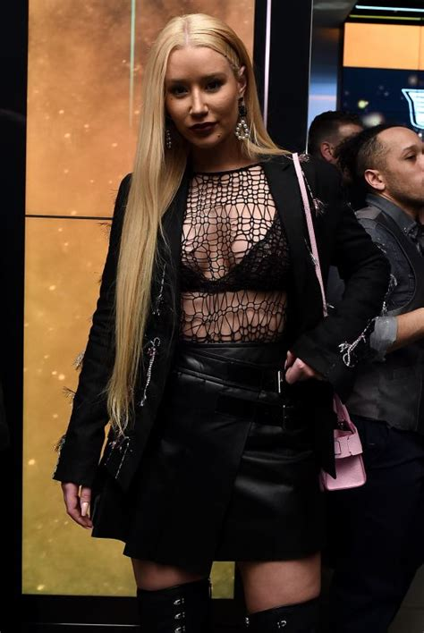 Records In New York Iggy Azalea At Republic Records Celebrates Grammy Awards In Partnership In New York 01