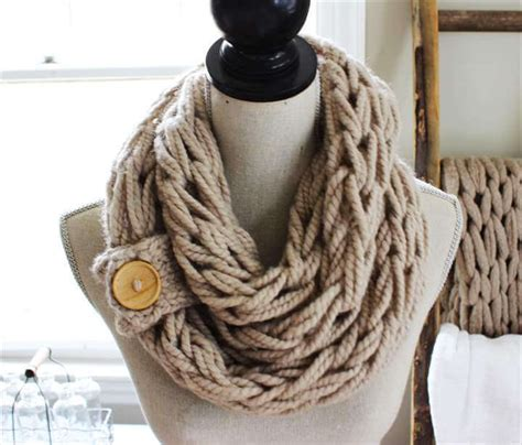 no knit scarf 28 amazing no knit diy scarf tutorials diy to make