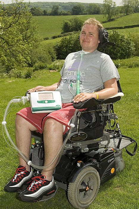 Toaster Tray Breathing Machine No Bigger Than A Laptop Daily Mail Online