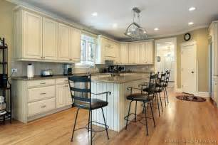 Kitchen Design Ideas Org Pictures Of Kitchens Traditional Off White Antique