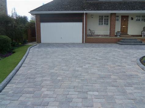 auffahrt pflastern ideen 25 best ideas about driveway paving on
