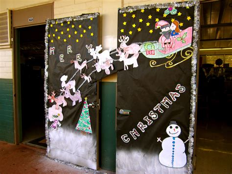 decorated doors for christmas contest i dig hardware 187 happy holidays