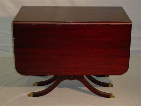 Dining Table: Duncan Phyfe Style Dining Table