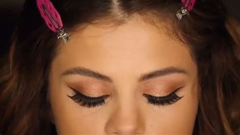 tutorial selena gomez inspired makeup selena gomez shares revival tour makeup tutorial on
