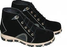 Boot E Pasir Hitam 35 amu 009 suede size 31 35 129 000