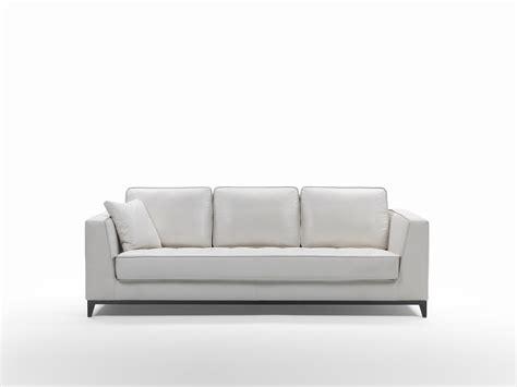 divano classico pelle divano classico pelle fabulous divano classico in pelle