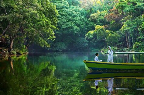 keindahan wisata alam telaga remis cirebon dibalik