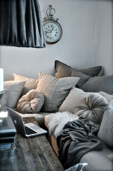 how to fluff couch pillows so cozy life pinterest living rooms the pillow and