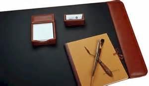 Bosca Set bosca desk pad in rich world leather