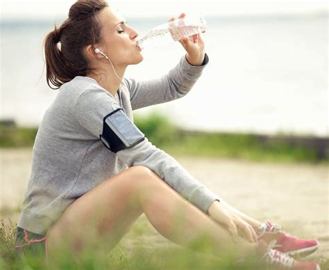 bauchspeck weg übungen für zuhause bauchfett verlieren in 4 einfachen schritten abnehmen