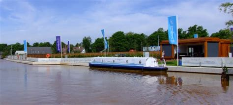 old boatyard worsley canalscape book 5