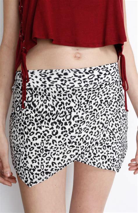 white leopard print origami skort chaussure boite boutique