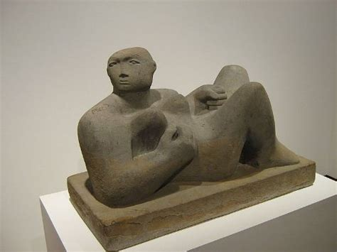 henry moore reclining woman 10 interesting facts about henry moore 10 interesting facts