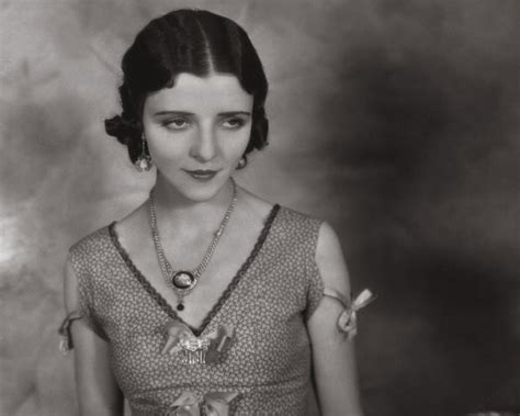 mona locke 1920s bob hairstyle pictures love and physical beauty beauty in 1920 study material