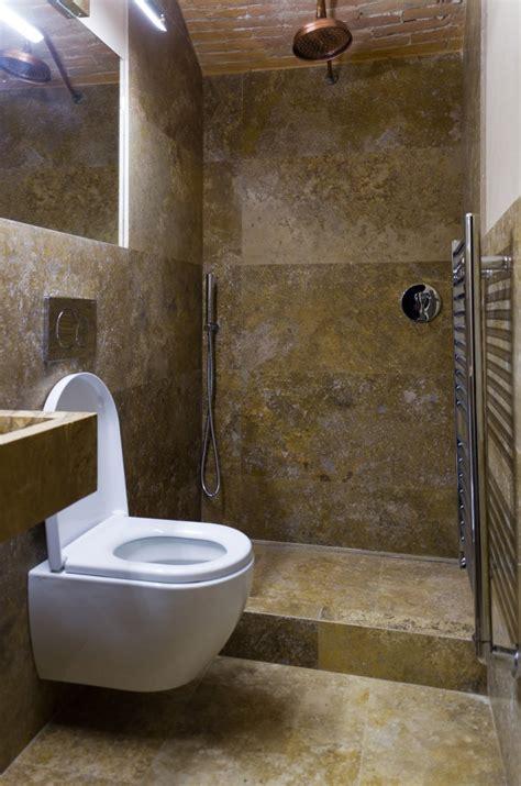 rivestimenti per bagni bagni in mosaico travertino tutto su ispirazione design casa