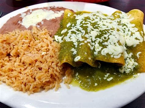 imagenes enchiladas verdes one of my favorite dishes here from the authentico menu