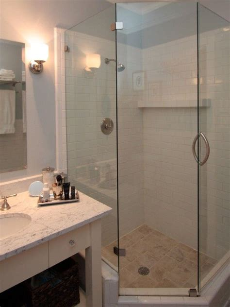 Corner Showers For Small Bathrooms by Best 25 Corner Showers Ideas On Corner Shower