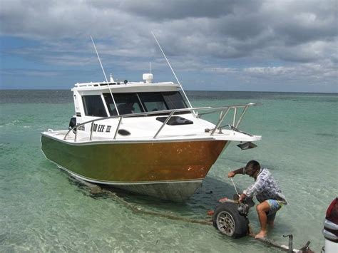 fishing ocean reef boat harbour another stolen boat fishing fishwrecked fishing
