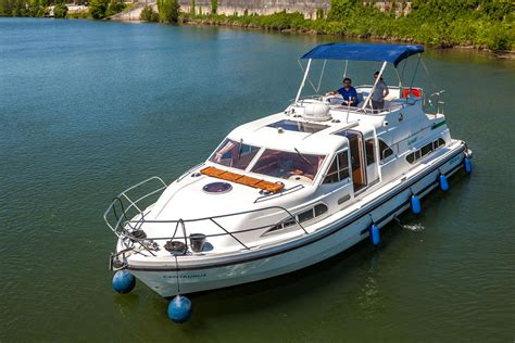 boats birds hire the europa 400 for your river yachting locaboat