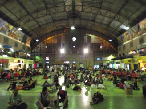 Sleeper Night Train - Bangkok to Chiang Mai, Thailand
