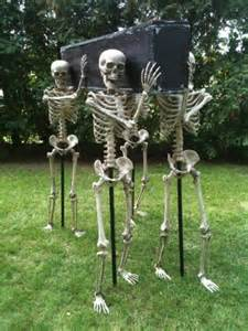 Make Your Own Outdoor Halloween Decorations Diy Outdoor Halloween Decorating The Garden Glove