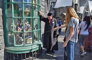 sneak peek into the wizarding world at universal studios