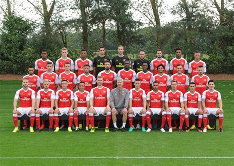 arsenal quiz 2016 17 arsenal team photo 2016 17 picture click quiz by cutthroat