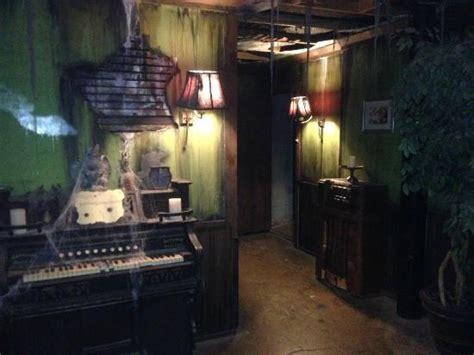 zombie escape room great room escape chicago morton