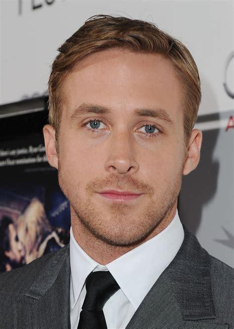 black male actor with lazy eye 35 preuves que ryan gosling est l homme le plus parfait de