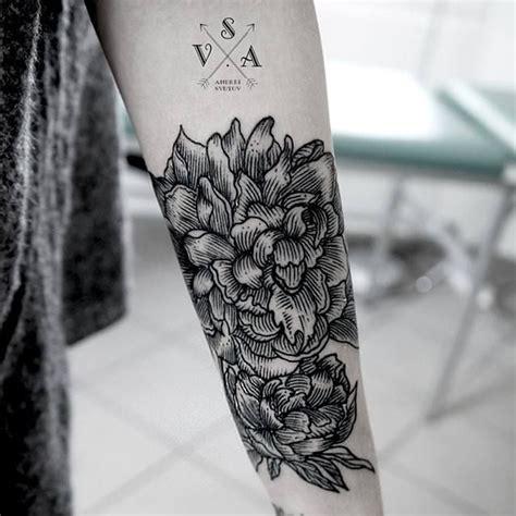tatouage bras fleurs un tatouage sur le bras nos