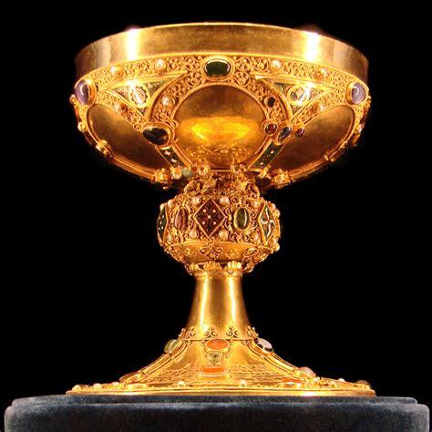 le gold file calice du sacre tau jpg