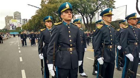 escuela de cadetes policia federal argentina mart 237 nez y macri encabezaron el desfile militar rioja libre