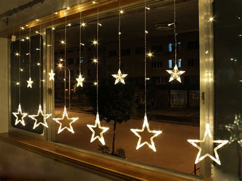 how to hang christmas lights in windows christmas decore