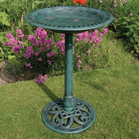 bird baths available from bird baths co uk