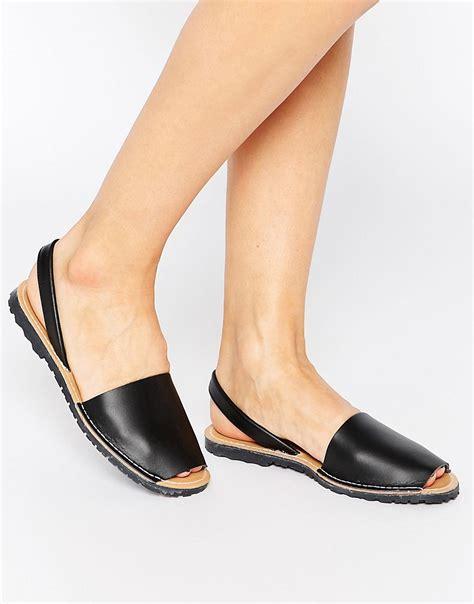 sandals images sepatuolahragaa black leather flat sandals images