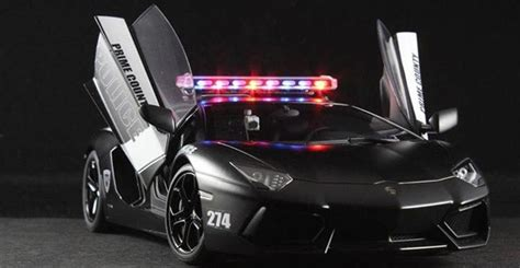Lamborghini Aventador Police Car Scale Model   autoevolution