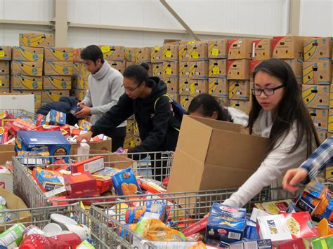 md aaleaders volunteer at capital area food bank