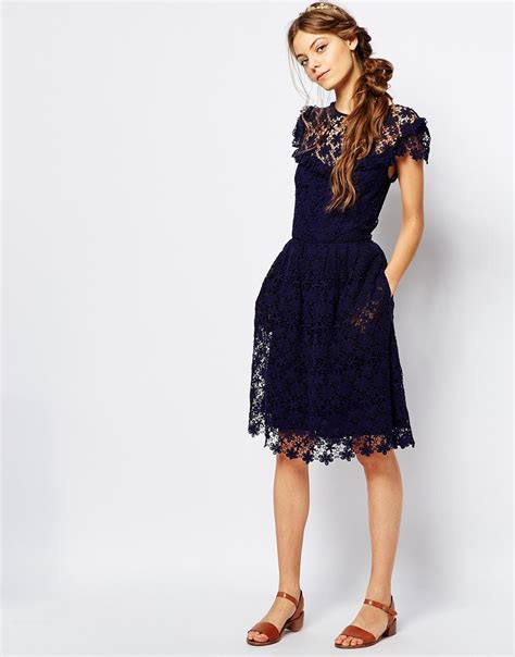 Dress And Fell Navy Floral Lace lyst paul joe paul and joe floral lace midi dress in navy navy 03 in blue